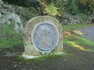Darwin memorial