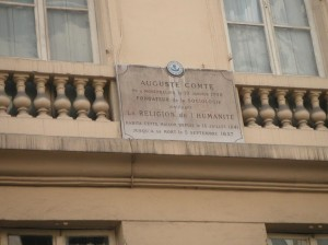 A plaque at Maison d'Auguste Comte celebrating Comte's residence
